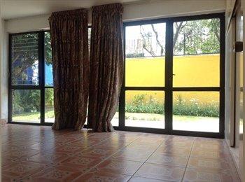 CompartoDepa MX - Cuartos amueblados en renta por el hotel RIU - Guadalajara, Guadalajara - MX$3,500 por mes
