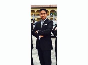 Carlos  - 29 - Estudiante