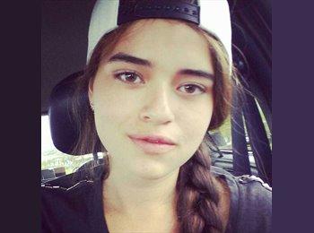 Melissa - 18 - Estudiante