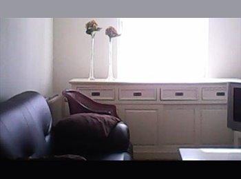 EasyKamer NL - kamer te huur - Loosduinen, Den Haag - € 500 p.m.