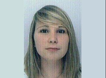 Emilie - 21 - Student