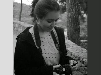 Juliana - 22 - Student