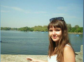 Nina - 23 - Student