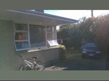 NZ - looking for flatties - Sockburn, Christchurch - $130 pw