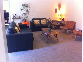NZ - FURNISHED ROOM AVAILABLE IN FRIENDLY BEACH VILLAGE - Sumner, Christchurch - $180 pw