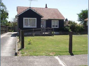 NZ - Double room with Private Bath - Glenholme, Rotorua - $180 pw
