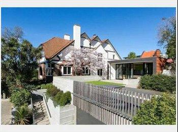 NZ - Awesome Centre City Living! - Dunedin Central, Dunedin - $220 pw