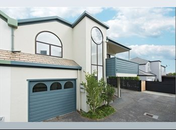 NZ - Herne Bay townhouse- 2 bedrooms available!! - Herne Bay, Auckland - $280 pw