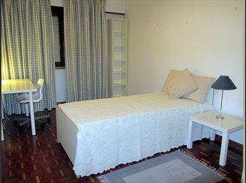 Aluga quarto Av Columbano B. Pinheiro ( F )