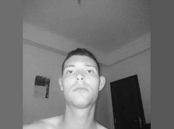 Pedro  - 22 - Estudante