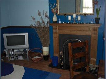 EasyRoommate UK - Large Triple Room - Macclesfield, Macclesfield - £490 pcm