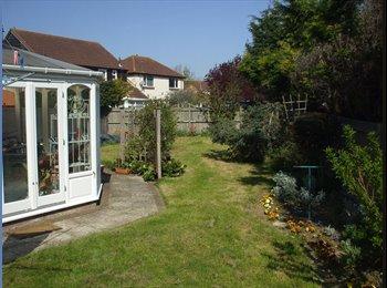 EasyRoommate UK - Large quiet house in cul-de-sac - Sittingbourne, Sittingbourne - £498 pcm