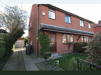 EasyRoommate UK - Young Professional House in Prime Location - Burley, Leeds - £299 pcm