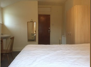 Friendly,Large room,£380pm-NO BILLS/NO DEPOSIT