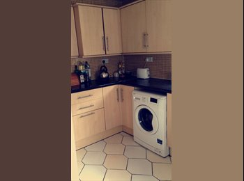 Large Double room, terraced house, aigburth