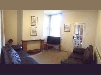 One Ensutie bedroom in Beeston