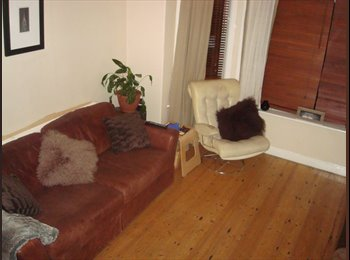 EasyRoommate UK - 1 Double room in  Victorian House in Stockport - Stockport, Stockport - £350 pcm