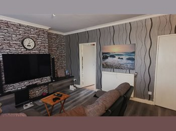 EasyRoommate UK - DOUBLE ROOM -to let in glasgow southside - Nitshill, Glasgow - £300 pcm