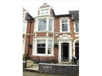 EasyRoommate UK - Room in Stunning Victorian House - Kettering, Kettering - £395 pcm