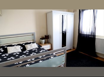 EasyRoommate UK - SHORT TERM Double Room 10 MINS FROM CENTRAL LONDON - Stockwell, London - £932 pcm