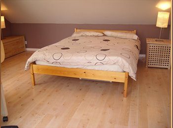 EasyRoommate UK - Large loft room available in Milton Keynes - Wolverton, Milton Keynes - £400 pcm