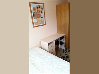 Small single room for rent in Milton Keynes