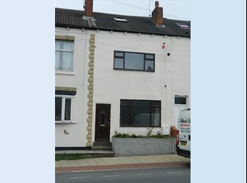 EasyRoommate UK - Double room in  Wakefield for a professional - Outwood, Wakefield - £280 pcm