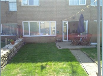 EasyRoommate UK - NOT TO MISS!! ROOM IN TIDY,FRIENDLY&QUIET HOUSE. - Farnborough, Hart and Rushmoor - £400 pcm