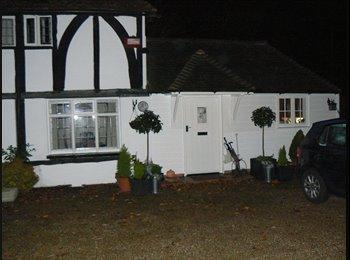 EasyRoommate UK - Rent a room - Borden, Sittingbourne - £400 pcm