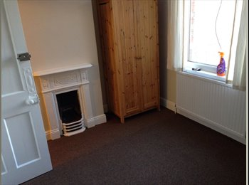 Large Double Room Available Near Town Centre
