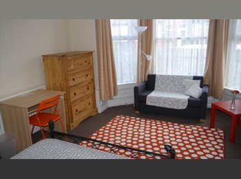 houses shares -ensuit rooms - studios - 2 bed flat