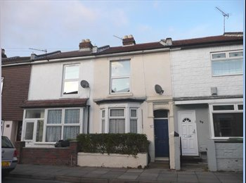 EasyRoommate UK -  Student House in Fratton - Fratton, Portsmouth - £300 pcm