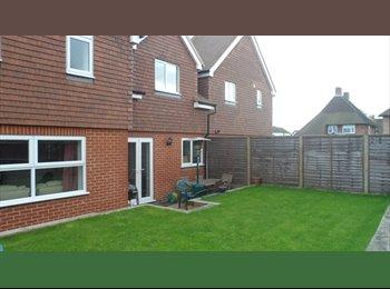 EasyRoommate UK - House in Aldershot - Aldershot, Hart and Rushmoor - £500 pcm