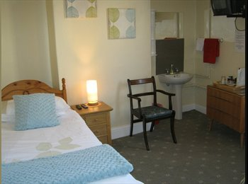 EasyRoommate UK - FURNISHED ROOM TO LET BILLS INCLUDED - Accrington, Accrington - £550 pcm