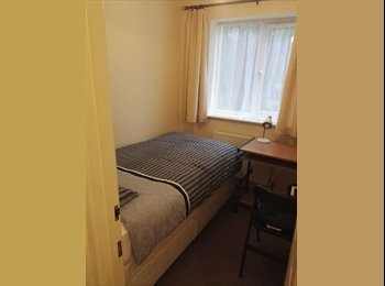 EasyRoommate UK -  2 single bedded rooms in Girton -£560pm each - Cambridge (North West), Cambridge - £560 pcm