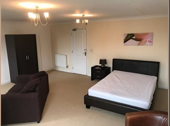EasyRoommate UK - Quality Houseshare4 professionals Hampton Peterbor - Hampton, Peterborough - £350 pcm