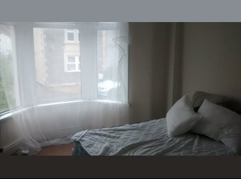 EasyRoommate UK - X2 DOUBLE ROOMS AVAILABLE - Fishponds, Bristol - £400 pcm