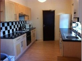 EasyRoommate UK - SUMMER 2015 (available from 1st Jul to 30th Aug) - Southsea, Portsmouth - £370 pcm