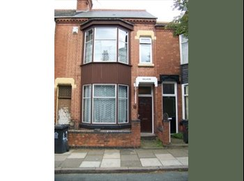 EasyRoommate UK - 2 rooms available in student house near DMU - Braunstone, Leicester - £300 pcm