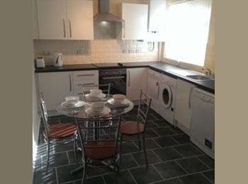EasyRoommate UK - Professional House Share - Eccles, Salford - £325 pcm