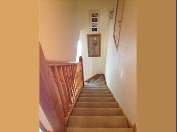 EasyRoommate UK - Double en suite bedroom Lindfield - Lindfield, Haywards Heath - £426 pcm