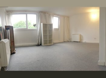 VERY LARGE DOUBLE ROOM AVAIABLE IN CAMDEN