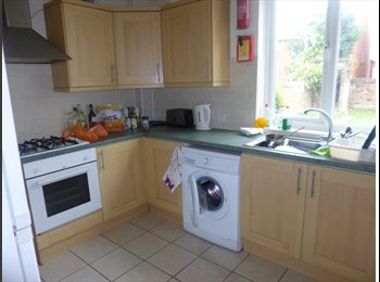 Rooms in shared house in central Beeston
