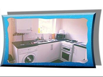EasyRoommate UK - Single Rooms With En-suit Bathroom Sat TV & DSL - Whitehaven, Whitehaven - £550 pcm