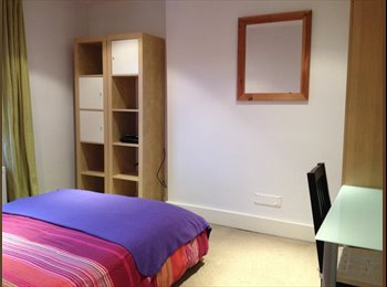 EasyRoommate UK - Double Room in the centre of Haslemere - Haslemere, Waverley - £430 pcm