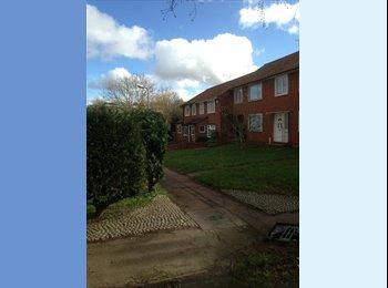 EasyRoommate UK - Double room to rent in Kingswood, Basildon - Langdon Hills, Basildon - £412 pcm