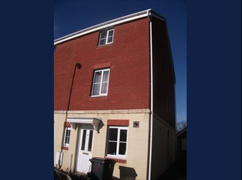EasyRoommate UK - ROOM AVAILABLE  IN WELL MAINTAINED MODERN HOUSE - Llanishen, Cardiff - £425 pcm