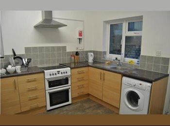 EasyRoommate UK - GILLINGHAM - £400 DOUBLE ROOMS - BILLS INC. - Gillingham, Gillingham - £400 pcm