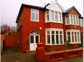 EasyRoommate UK - Double bedded room to let in a  quite house - Blackpool, Blackpool - £400 pcm