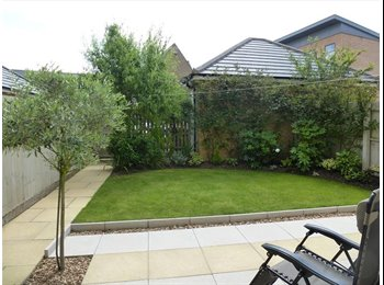EasyRoommate UK - Double room - modern and clean house. - Hampton, Peterborough - £395 pcm